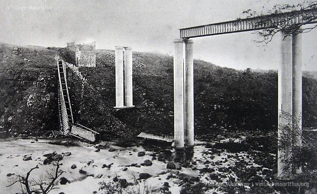 Grand-River-North-West-GRNW-Railway-Viaduct-Cyclone-1892-Broken