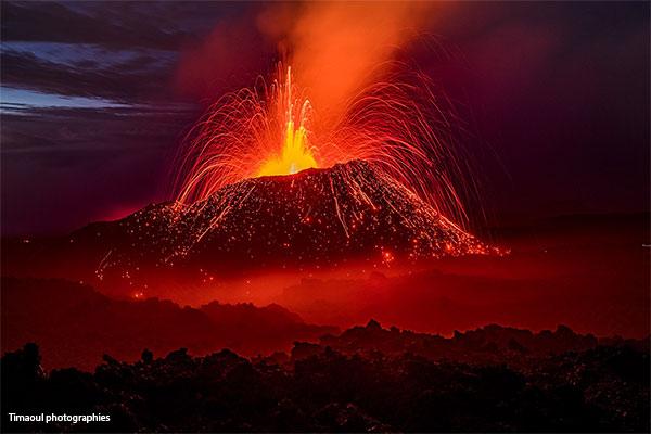 Piton de la Fournaise in eruption 2017 - Visits of the lava tunnel in Reunion Island