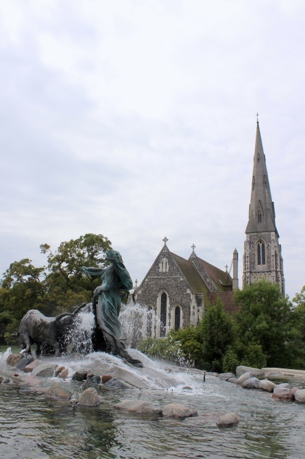 Gegion Fountain and St Alban's Church