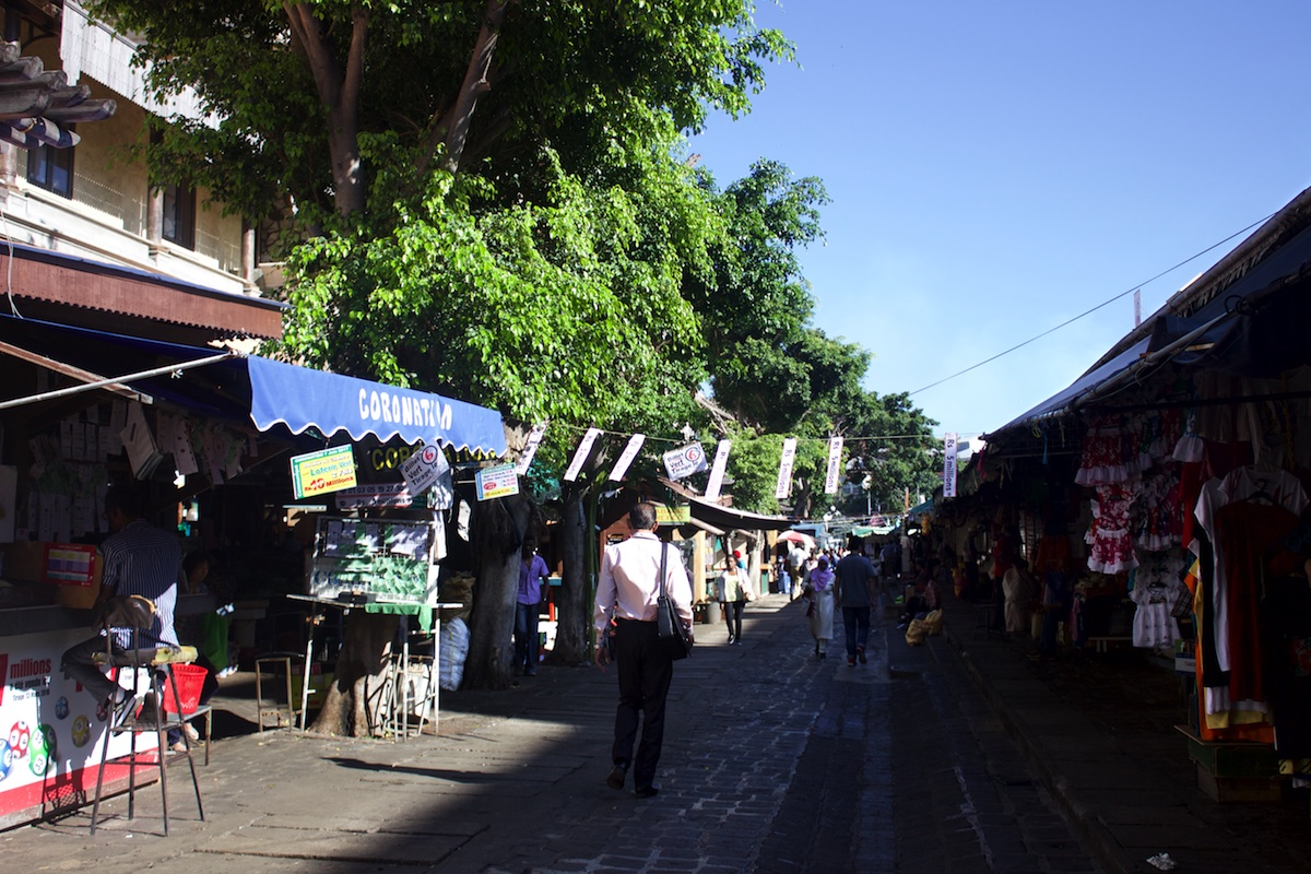 The central market in Port Louis: a must do in Mauritius