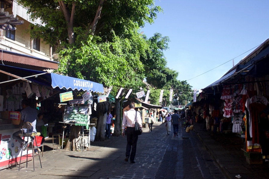 The market in Port Louis - a visit to the bazar in Mauritius