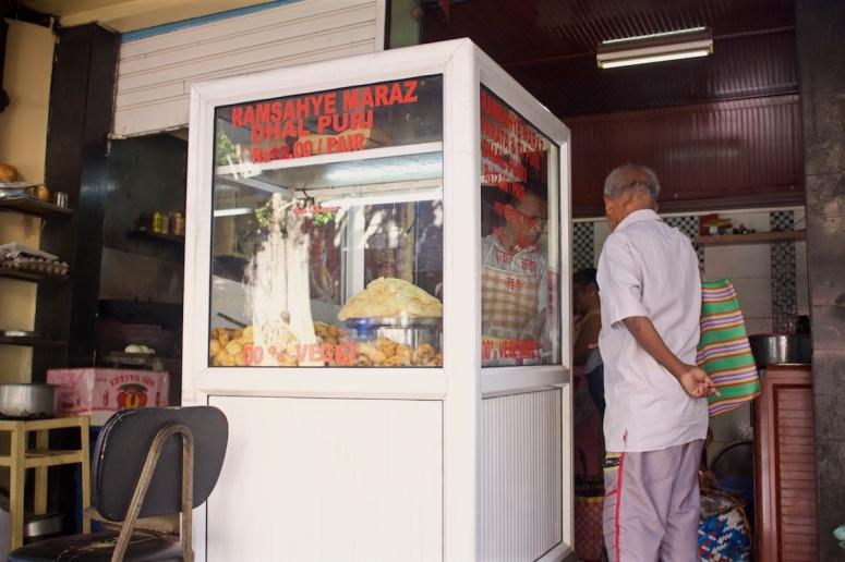 Dhal Puri, Dholl Puri - a favorite Mauritius Street Food -