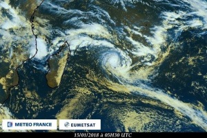 Berguitta became a cyclone this morning a 0530UTC -