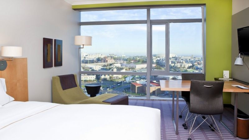 Hotel Review: The Westin Cape Town