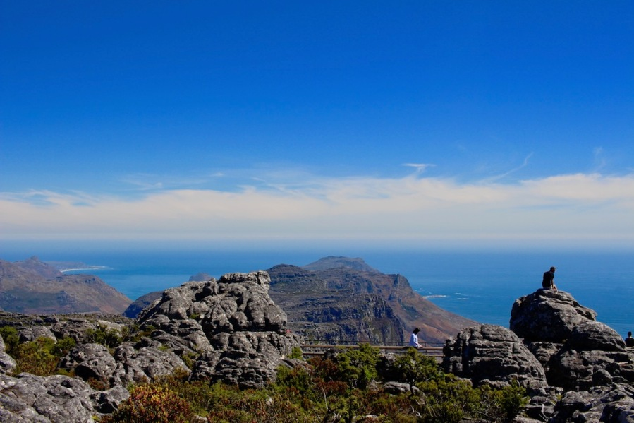 View towards the East at the Top of Table Mountain - #Capetwon #southafrica #tablemoutain