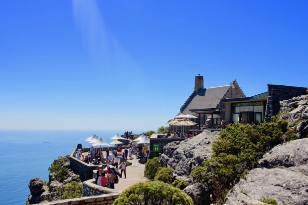 Cable Mountain Cafe on Table Mountain - with the Atlantic Ocean in the beackground in Cape Town - #tablemountain #cableway #capetown #southafrica