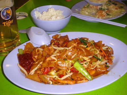 Singapore food - Char kway teow - Plan a trip to Singapore