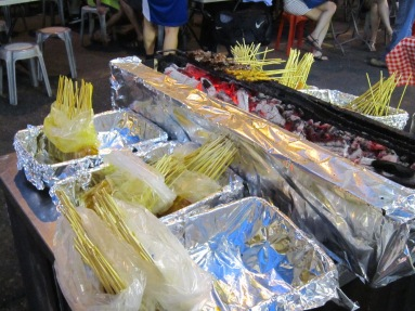 Satay skewers - Hawker market Singapore - Where to eat in Singapore