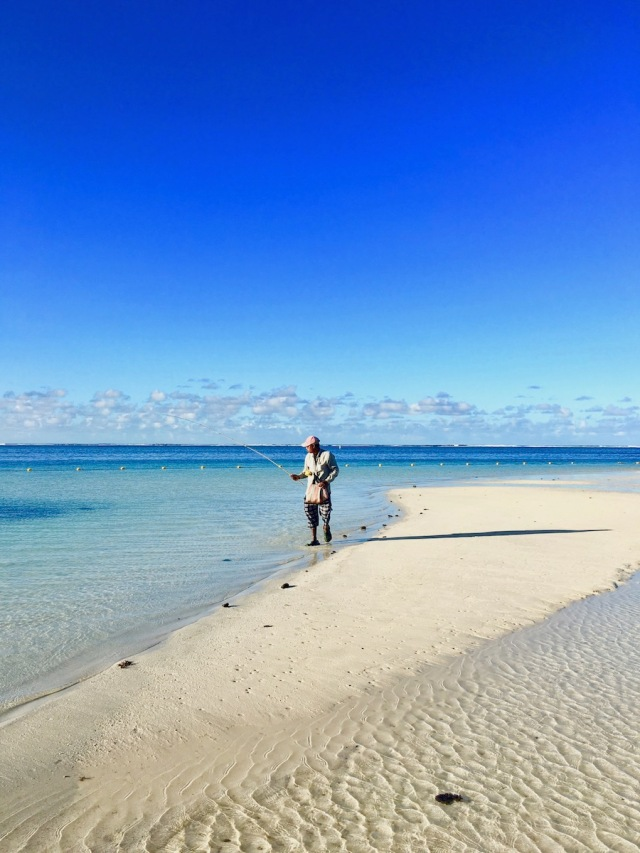 Picture of Fisherman in Belle Mare - Prepare Your Trip to Mauritius - Best travel tips, information and facts! #mauritius #ilemaurice