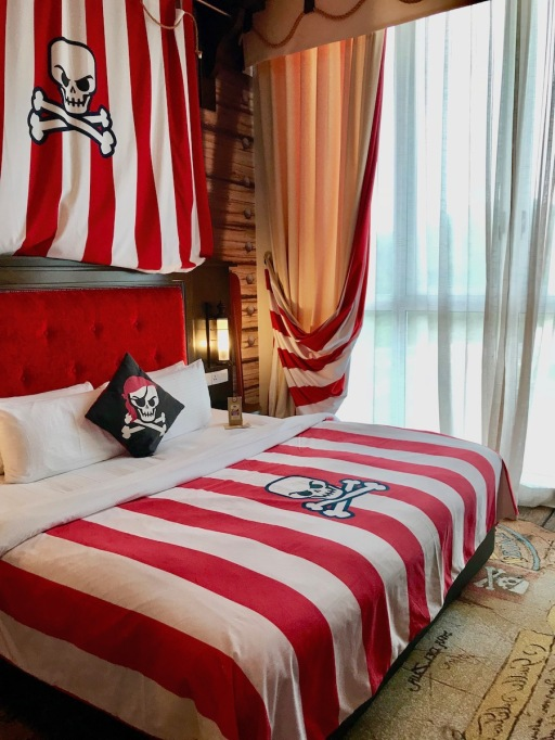 Bedroom with King Size Bed in Pirate Premium Room at Legoland Hotel Malaysia #Hotel in Malaysia - #Hotel in Johor Bahru #LegolandMalaysia #LegolandHotel - #Hotelreview