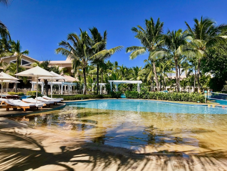 Main Pool at Sugar Beach Mauritius - Hotels in Mauritius - Kids activities in Mauritius - Where to stay with kids in Mauritius - #Mauritius #IleMaurice